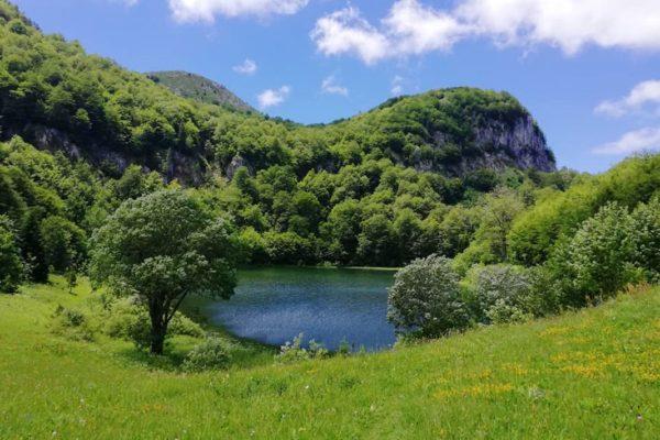 donje-bare-jezero-kamp-sutjeska